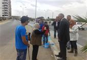 محافظ السويس يتفقد أعمال رصف ودهان الشوارع (صور)