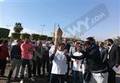 بالصور..القيادات التنفيذية والشعبية بالسويس تستقبل شعلة الأولمبياد