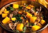طريقة عمل طاجن لحمة بالبيض و البطاطس