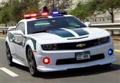 بالصور.. شرطة دبي تقدم هدايا للمخالفين!