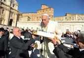 التايم: تحتفل بعيد ميلاد بابا الفاتيكان الثامن والسبعين