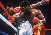 محمد علي، أسطورة الملاكمة، يُصاب بالالتهاب الرئوي