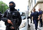 الشرطة الفرنسية تقتل مهاجماً يردد