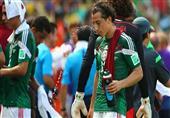 بالصور- للمرة الأولى.. إيقاف مباراة هولندا والمكسيك بسبب الحرار...