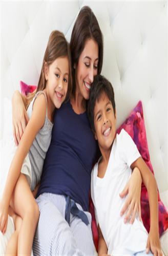 خوفك الزائد على طفلِك قد يسبب له مشاكل نفسيه