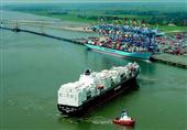 عبور أكبر سفينة حاويات في العالم لقناة السويس اليوم