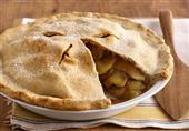 بالفيديو: طريقة عمل فطيرة التفاح