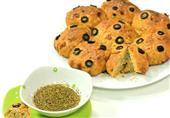 فطار اليوم: خبز بالزيتون والزعتر