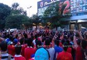 بالصور- جماهير الأهلي من أمام مقر النادي: ارحل يا طاهر