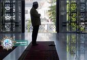 هل يكون سجود التلاوة في الصلاة بين تكبيرتين؟
