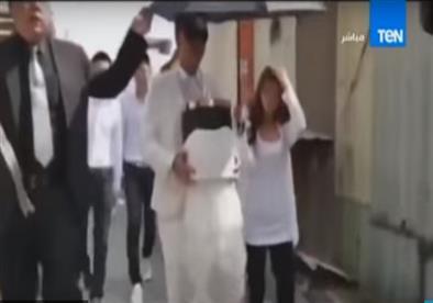 """رجل يتزوج من """"رماد حبيبته المتوفاة"""" فى مراسم زفاف رسمية"""