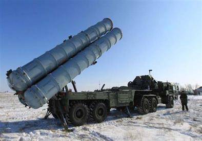 """ماذا يعني نشر روسيا منظومة صورايخ """"إس 400"""" على الحدود السورية التركية؟"""
