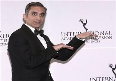 باسم يوسف بحفل جوائز إيمي: سنضحك حتى يخسر الارهابيون