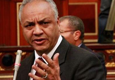 مصطفى بكري يطالب بمحاكمة عبد المنعم أبو الفتوح بتهمة اهانة الشعب المصري