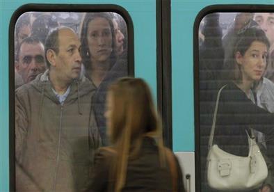 هل تسلل الإسلام المتطرف إلى شركات النقل الباريسية؟