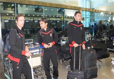 بالصور.. بعثة الأهلي تغادر إلى الإمارات لبدء معسكر الإعداد قبل عودة الدوري