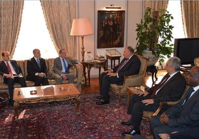 وزير الخارجية يبحث مع المبعوث الدولي لليبيا سبل دعم الاستقرار في المنطقة