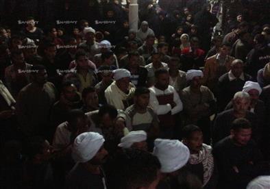 بالصور.. أهالي الفيوم يشيعون جنازة أحد ضحايا كمين المنوات بالجيزة