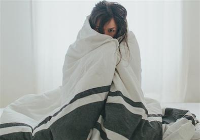 هذه الأسباب قد تكون وراء شعورك الدائم بالبرد!