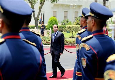 الوفد: السيسي يراهن على الشعب المصري في المشروعات العملاقة