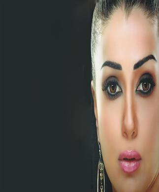 """هل اعتزال غادة عبد الرازق التمثيل """"كذبة إبريل""""؟"""