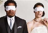 """هل تؤمن بفكرة """"الزواج من النظرة الأولى""""؟"""