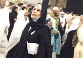 بالصور.. سيلفي أحلام بالحجاب خلال أدائها العمرة