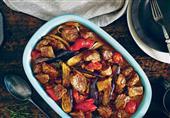 طبق اليوم: فتة الباذنجان واللحم من مطبخ منال العالم