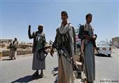 الحوثيون يعيدون المُسرحين من الجيش وقوات الأمن إلى العمل