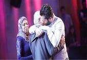 بالصور- متسابق سوري يٌبكي إليسا وXfactor  يلّم شمله بعائلته