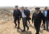 مدير أمن بورسعيد يتفقد طرق تهريب البضائع الأجنبية