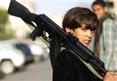 الاندبندنت أون صنداي: أطفال اليمن تركوا المدارس وحملوا السلاح