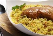 طبق اليوم : كبسة الدجاج بالكركم من مطبخ منال العالم