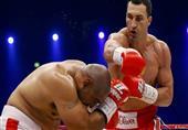 """الملاكم """"فلاديمير كليتشكو"""" بطلا للعالم للوزن الثقيل"""