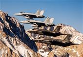 بالصورة – أول تدريبات مشتركة لأحدث طائرة حربية في العالم