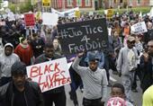 اعتقالات وأعمال عنف اثناء احتجاجات في مدينة بالتيمور الأمريكية على وفاة رجل أسود رهن الاعتقال