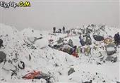 لحظة إنهيار جبل أفرست بعد زلزال جبال الهيمالايا