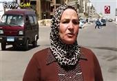 السيدة عزيزة تنهال بها ظروفها وتدفعها لتعمل سائقة ميكروباص