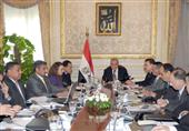 محلب يوجه الوزراء بالالتزام بالتوقيتات المحددة للانتهاء من تنفيذ شبكة الطرق القومية