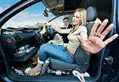 خطوات بسيطة للتخلص من الرائحة الكريهة في السيارة