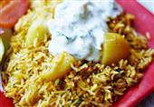 برياني الدجاج والبطاطس: طبق اليوم من مطبخ منال العالم