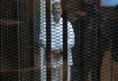 وصول مرسي وآخرين لأكاديمية الشرطة للنطق بالحكم في