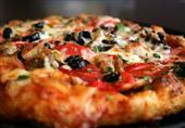 طريقة عمل بيتزا الجلاش لغداء اليوم