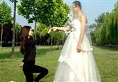 بالصور شباب يرتدون فساتين زفاف ..والسبب؟