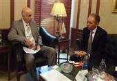 وزير السياحة يلتقى سفير أستراليا بالقاهرة لبحث سبل عودة الحركة السياحية
