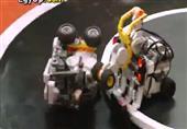 """إختراع إنسان آلي """" روبوت """" يلعب المصارعة"""