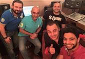 بالصور.. أحمد جمال يغني للداعية مصطفى حسني في رمضان