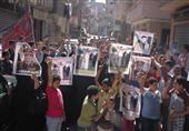 بالصور - أهالي المتوفي بمحبسه يتظاهرون أمام قسم شرطة رشيد