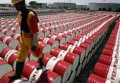 النفط يقترب من أعلى مستوياته في 2015 بعد غلق ميناء ليبي
