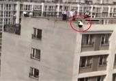 نجاة فتاة منتحرة بعد قفزها من الطابق 18